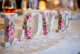 table love sign, table centre piece.